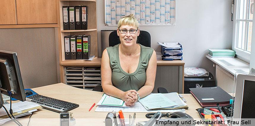 Frau Sell, Empfang & Sekretariat